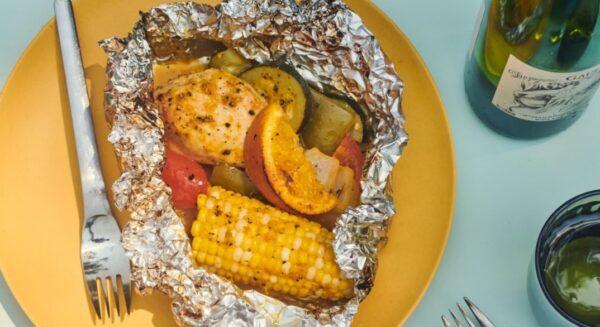 蜂蜜橙皮雞用鋁箔紙包裹燒烤 美味又乾淨