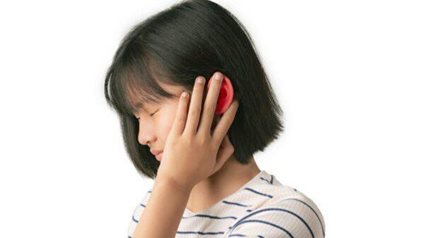 挖耳朵、游泳 耳朵发痒疼痛?3招防外耳炎