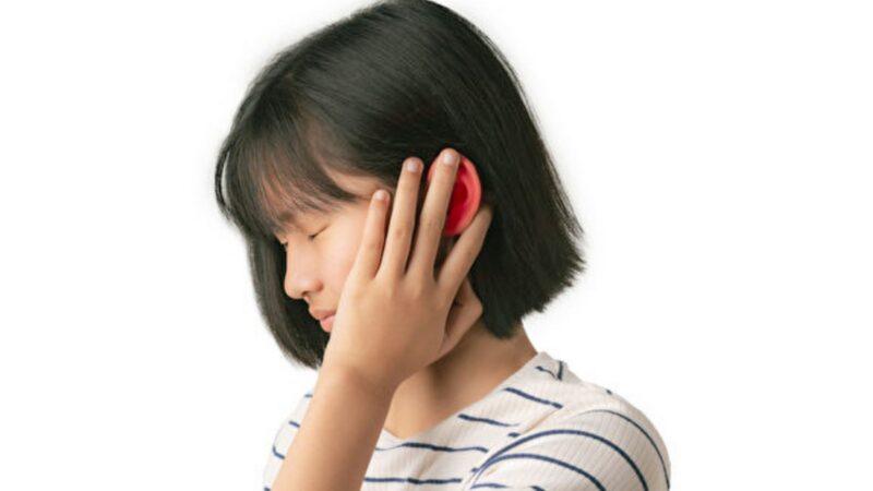 挖耳朵、游泳 耳朵發癢疼痛?3招防外耳炎