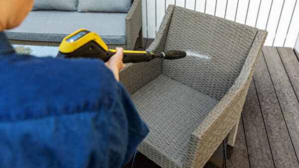 多久沒清潔戶外家具?不同材質家具清潔指南