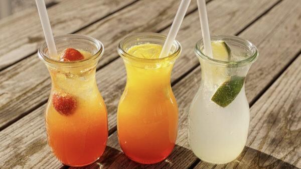 """当心 5种喝水习惯比熬夜还要""""催人老"""""""