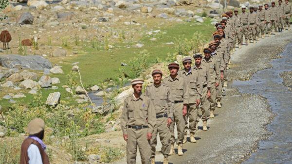 塔利班称派出百名武装分子镇压反抗力量