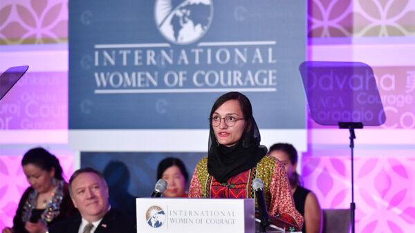 塔利班重新掌权 阿富汗首位女市长惊恐