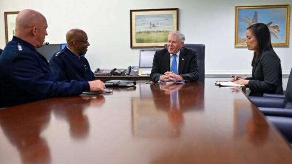 美新任空军部长:实现技术飞跃 威慑中共