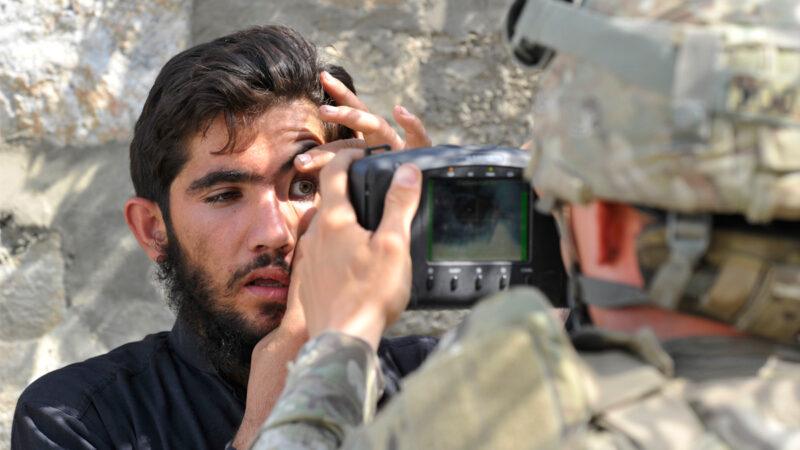 美军生物识别设备落入塔利班之手 引发担忧