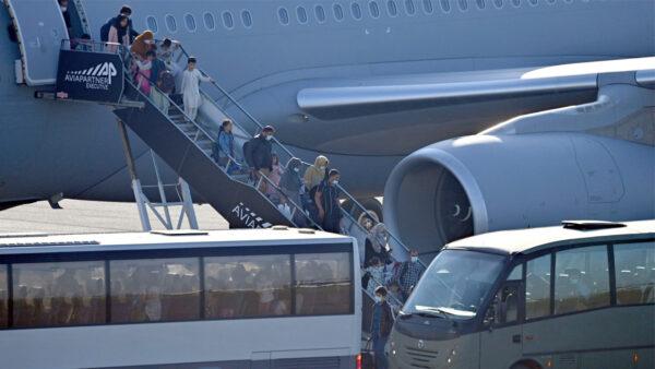 憂安全問題 普京下令從阿富汗撤僑