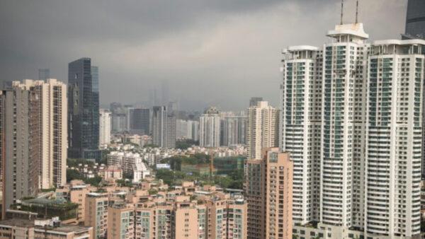 深圳二手住宅成交量暴跌超8成 逾半房源减价