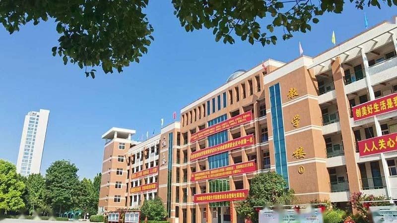 多省中小學「民轉公」 河南民校提請「捐給政府」