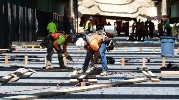 【财经简讯】美国参议员确定1万亿美元基建细节 德国制造业强劲增长