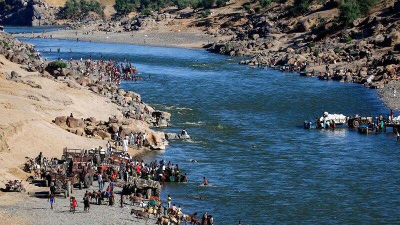 埃塞俄比亚传屠杀 边境河岸惊见逾30具浮尸