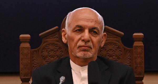阿联酋当局确认 阿富汗总统及家人逃亡该国