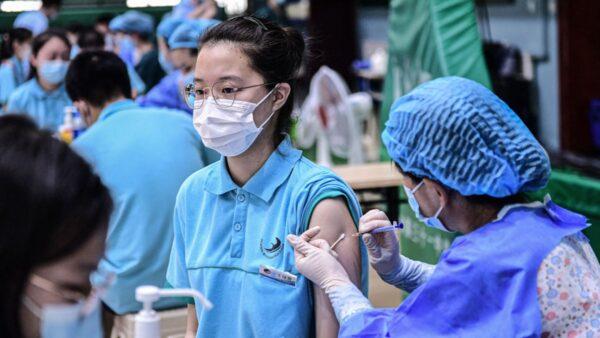 強制接種 河南學生上學要6親屬疫苗接種證明
