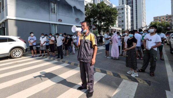中共「清零」防疫代價高 日機構預測中國經濟急速放緩