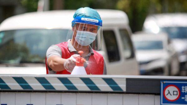 揚州疫情嚴峻 江蘇已調動4,000醫護支援
