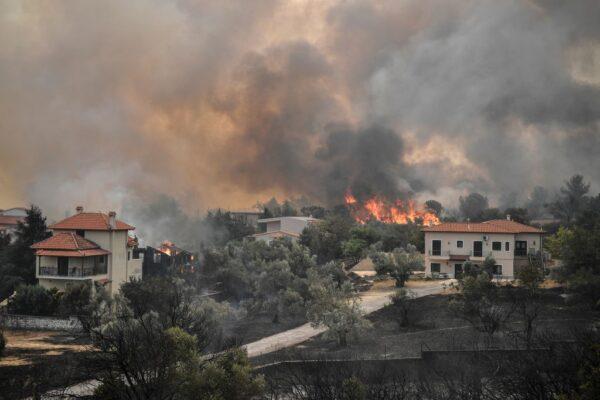 嚴重熱浪襲希臘 不受控制野火進入第5天