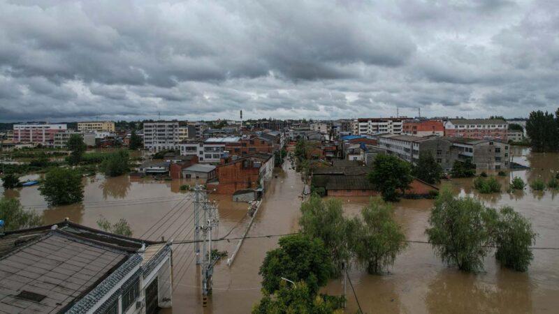 湖北洪水氾濫 官稱12市43縣逾百萬人受災