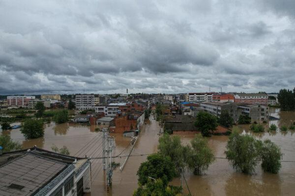 湖北3市近30万人受灾 随州洪灾至少21死