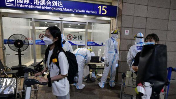 上海浦東機場確診者增多 揚州解封遙遙無期
