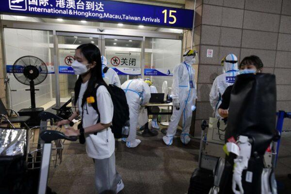 上海疫情升温 已有5中风险区 浦东机场连增病例