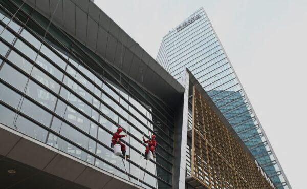 北京高科技企业设备脱落 砸死砸伤7员工