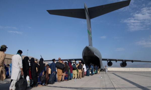 阿富汗難民抵美後將去哪? 35州願意接收