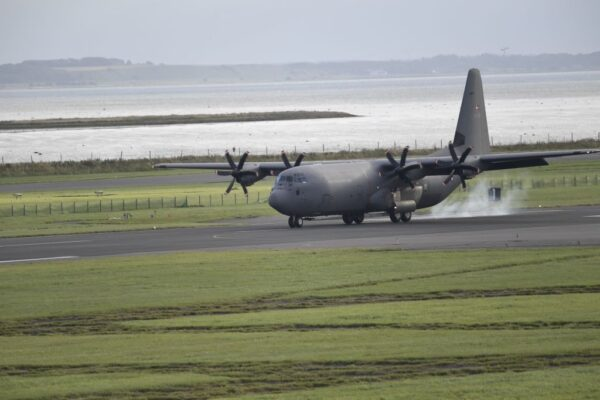 喀布尔空运撤离中止 日本约500人待援