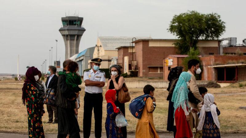 憂塔利班對婦女影響 世界銀行暫停援助阿富汗