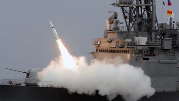 """蔡英文誓言""""更强大"""" 军方斥70亿美元量产导弹"""