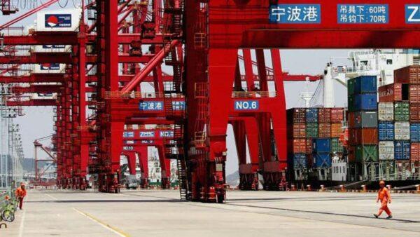 中国最大货运港爆疫情 宁波梅山港区已被封控