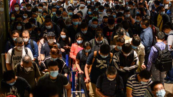 中國人赴美機票飆升至10萬元 專家:以後想跑也難