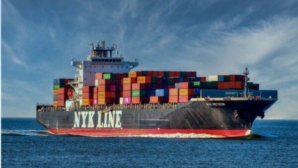 中美航線集裝箱運費突破2萬美元 同比上漲500%