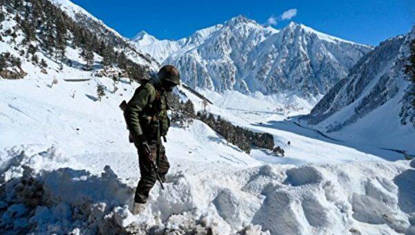 中印军力对比 矛盾难解 胜负难分