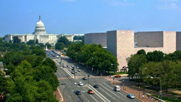 美智库民调:超过半数的美国人赞成军事护台