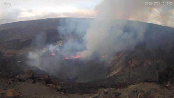夏威夷火山「全面噴發」 熔岩噴泉往上直竄