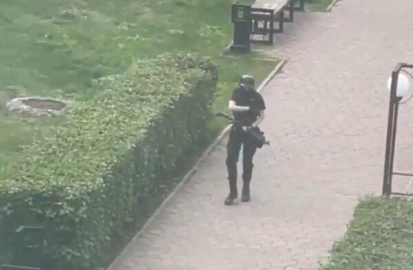 俄罗斯大学校园爆枪击 学生跳楼逃生至少3死4伤