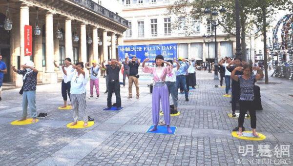 巴黎民眾:面對迫害保持沉默是恥辱