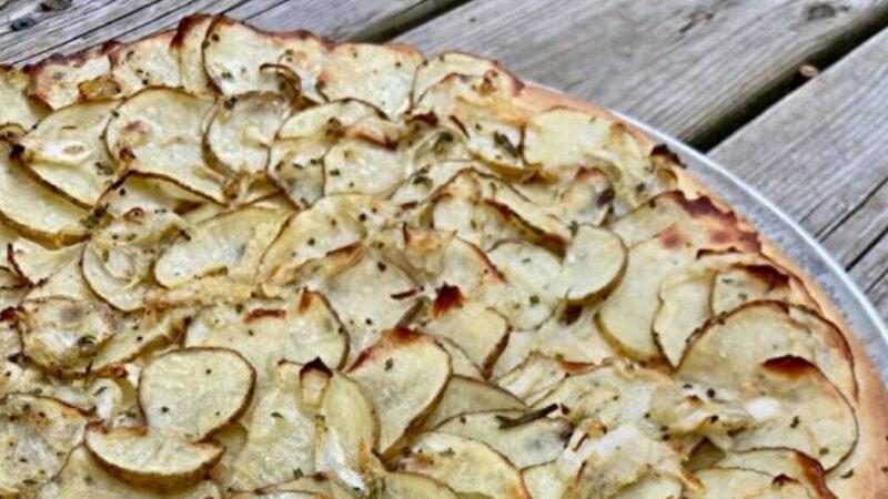 洋葱土豆比萨饼的简易做法