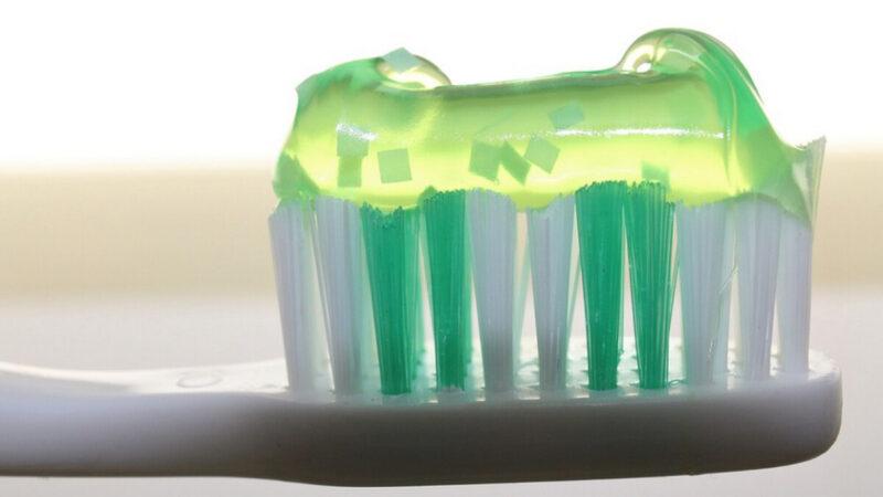 牙刷上有1億多個細菌 該怎麼辦呢?
