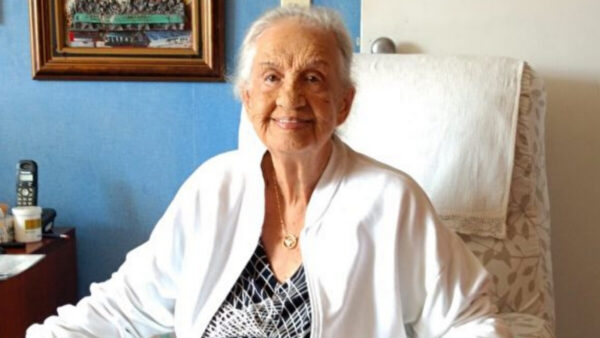 疫情中 巴西95歲老人闖過生死關的故事
