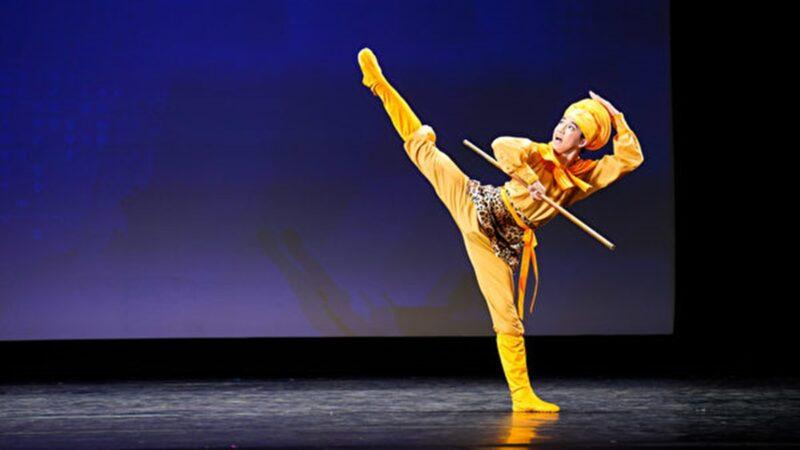 组图四:第九届中国古典舞复赛少年男子组风采