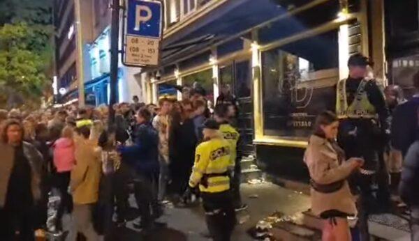 閃電式解除防疫限制 挪威民眾瘋狂慶祝釀混亂
