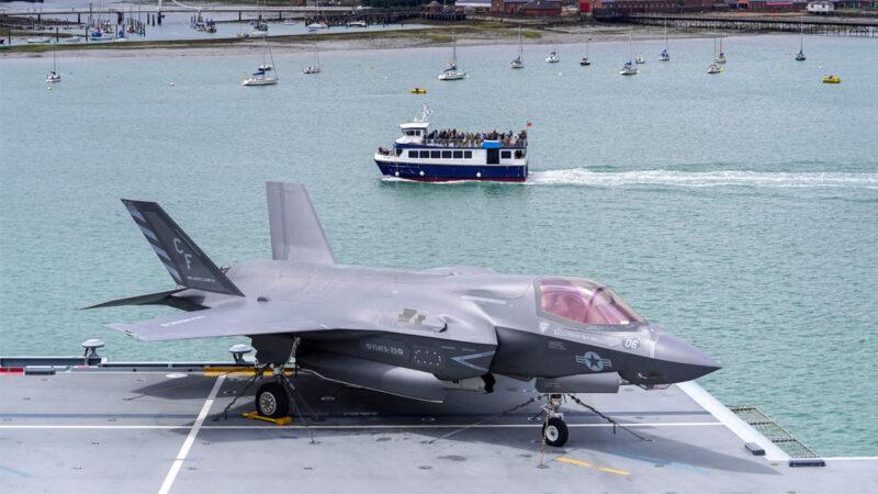 英韩军演  F-35B战斗机5秒内完成起飞演示