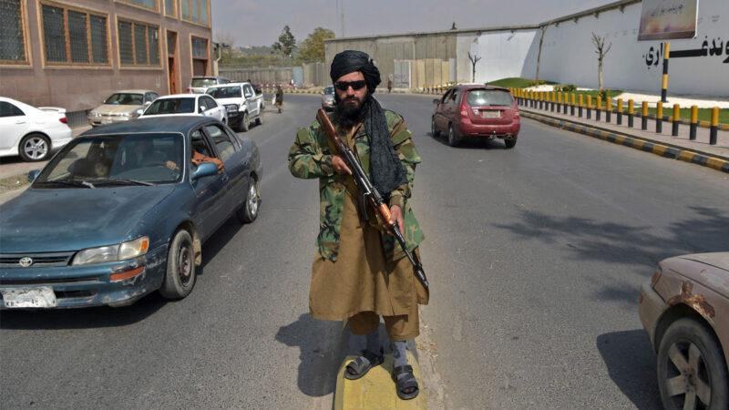 痛恨塔利班搶風頭 IS展開社交媒體大戰