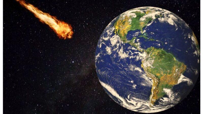 美國女子在家睡覺 被隕石砸到