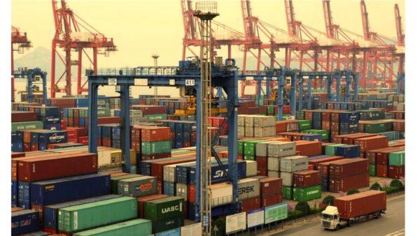 集裝箱持續急缺 中美海運價格暴漲十倍