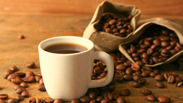 新研究:适量喝咖啡可降低心脏病致死风险