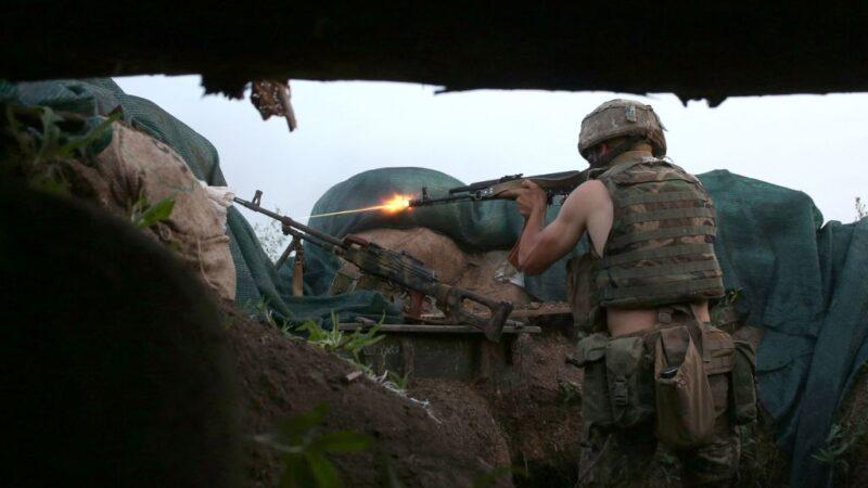 烏克蘭東部衝突不斷 烏軍3死10傷