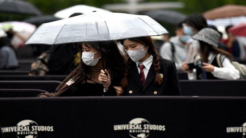 中秋节前北京狂风暴雨 11列火车、31条公交线停驶