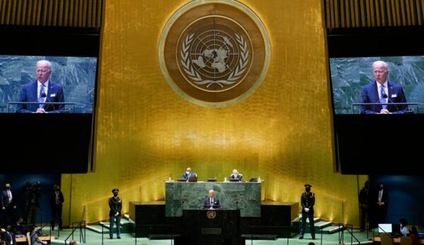 阿富汗聯合國大會鬧雙胞 塔利班要求演說