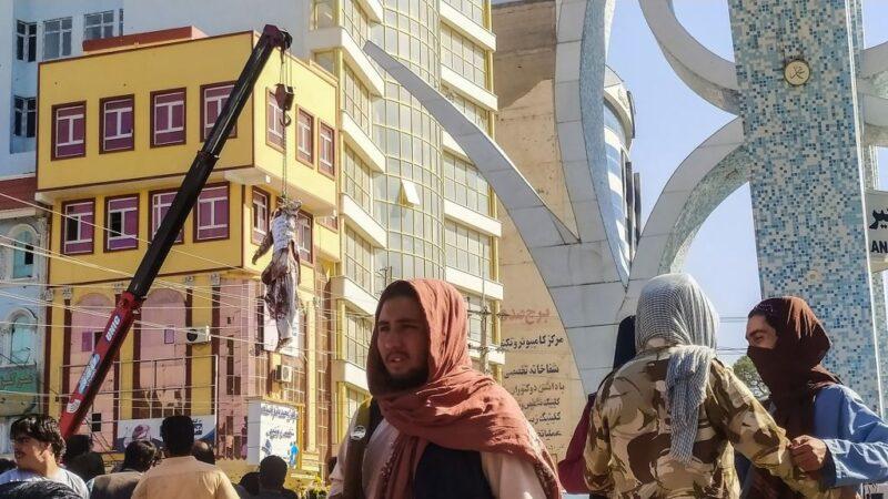 塔利班恢復死刑 擊斃4綁匪懸掛遺體示眾